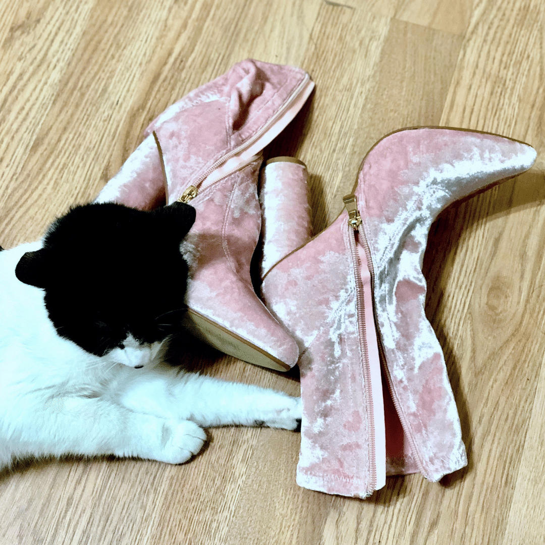 cat and boot velvet pink boot